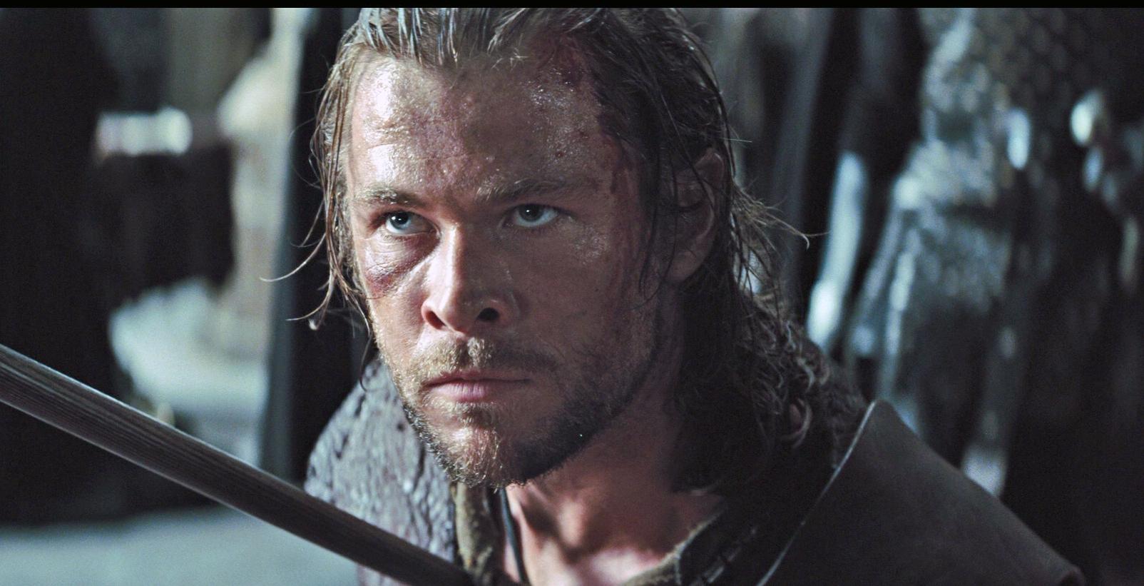 Chris Hemsworth Snow White and the Huntsman2