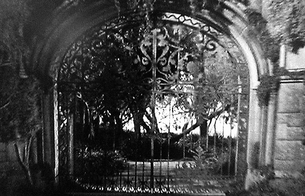 Rebecca Daphne Du Maurier Manderley Gate